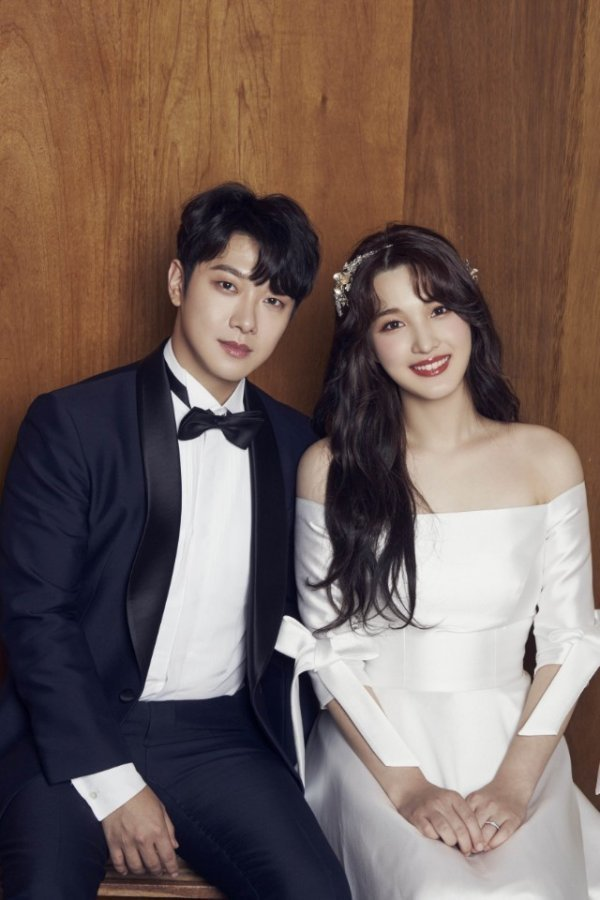 Choi Minhwan ve Yulhee'nin ikizleri doğdu