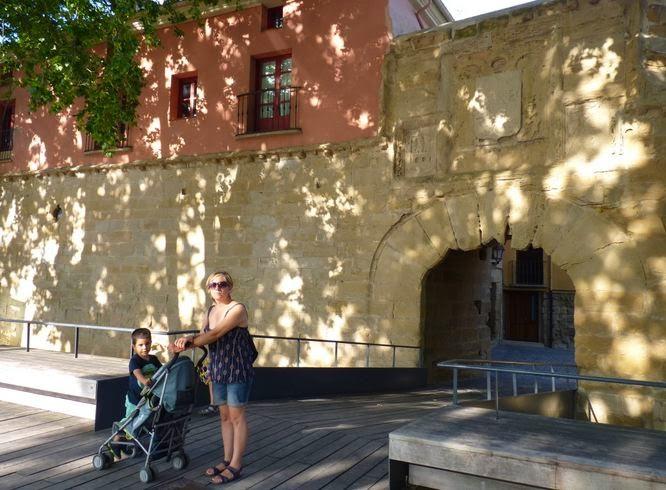 Logroño, Puerta del Camino o de Carlos V.