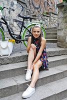 https://www.karyn.pl/2019/08/kwiecista-stylizacja-na-rower.html