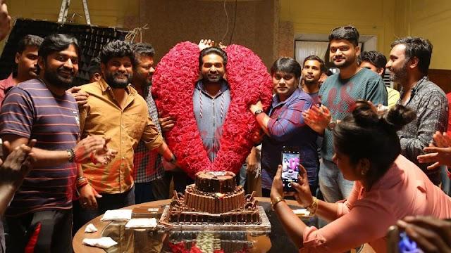 Vijay Sethupathi celebrates 43rd birthday on the arrangements of Tughlaq Durbar.