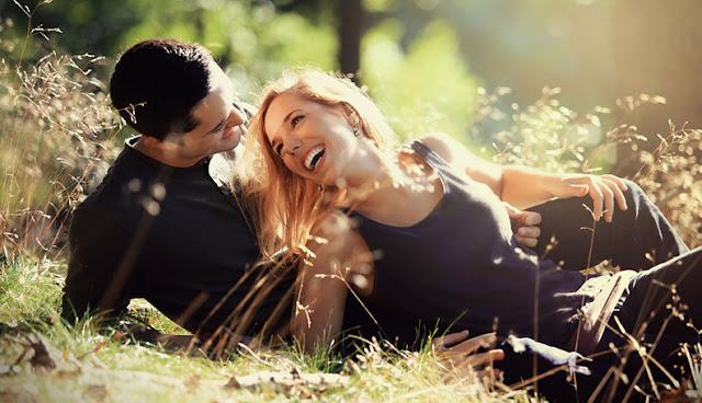 6 Cara membuat Cowok Jatuh Cinta