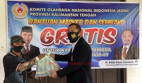 Koni Kalteng Peduli Bagi 150 Sembako dan 1000 Masker untuk Warga Terdampak Covid- 19