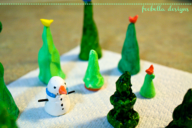 polymer clay Christmas trees and snowman via www.foobella.blogspot.com