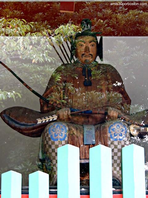 Guardianes de la Puerta Shinmon en el Santuario Hie