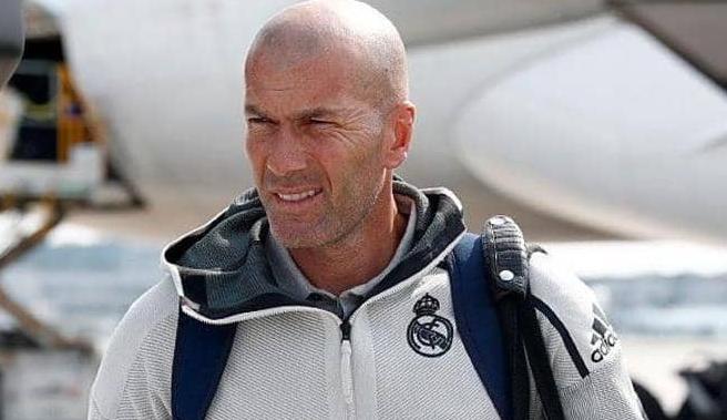 """زيدان يغادر معسكر ريال مدريد """"لأسباب شخصية"""""""