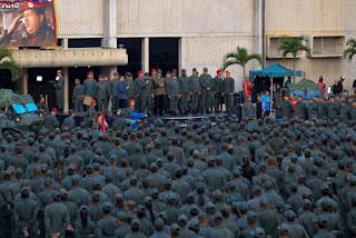 Queda de helicóptero mata sete militares na Venezuela