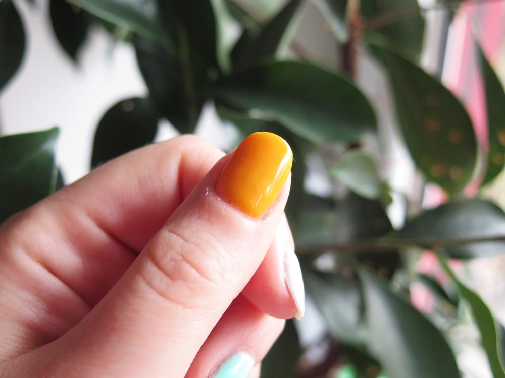 NAILS | Nieświąteczne paznokcie w grudniu z NeoNail i Semilac
