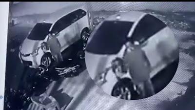 Detik-Detik Pencuri Helm Beraksi di Bone Terekam CCTV