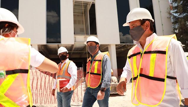 Supervisa Luis Nava las obras de construcción del nuevo C4
