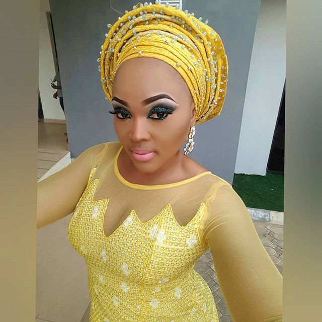 Edo state born Nollywood actress Mercy Aigbe look pretty on her yellow dress.