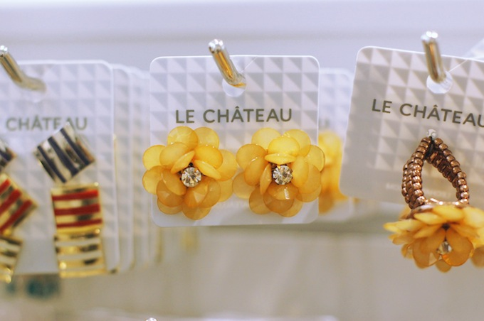 Le Château flower earrings