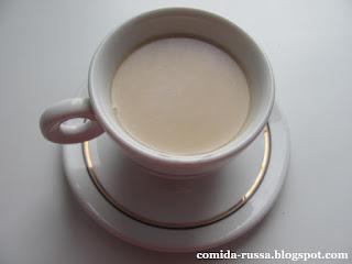Chá com leite de cedro - bebida siberiana