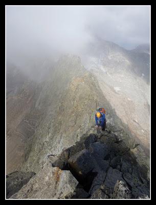 Hacia la cima del Pico del Portillón