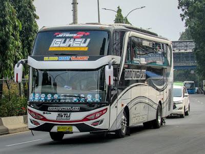 Foto Bus Sudiro Tungga Jaya Iguazu
