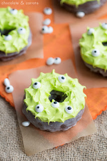 This recipe for monster donuts is one of the vegan Halloween treats featured in this post.