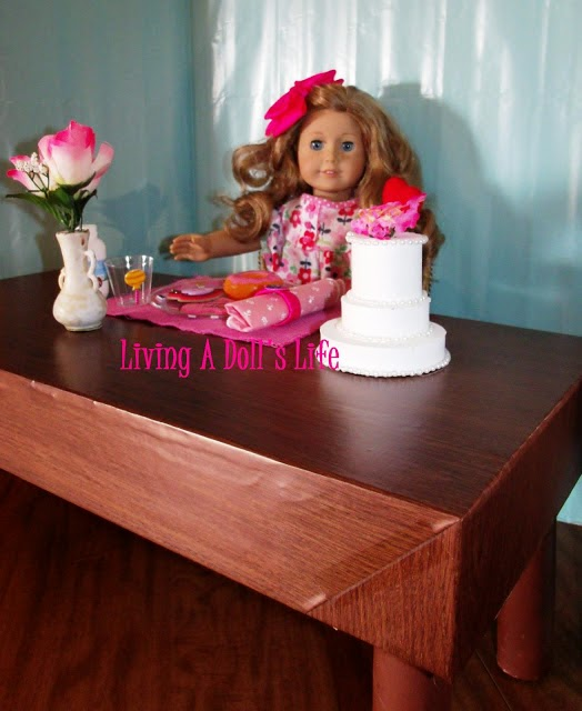 http://livingadollslife.blogspot.com/2013/01/htm-doll-table.html