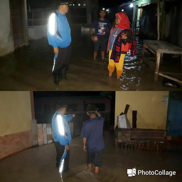 Bergerak Cepat, Arsal Datangi Korban Banjir di Beberapa Desa Kecamatan Depati Tujuh