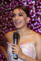Hansika Motwani Sizzles in a Deep neck Sleevless Pink Gown at Zee Telugu Apsara Awards 2017 08.JPG