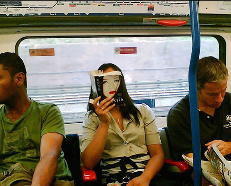 17 Hilarious Pictures Of People Reading All The Wrong Books In Public - Memoirs Of A Geisha, Read By The Geisha Herself