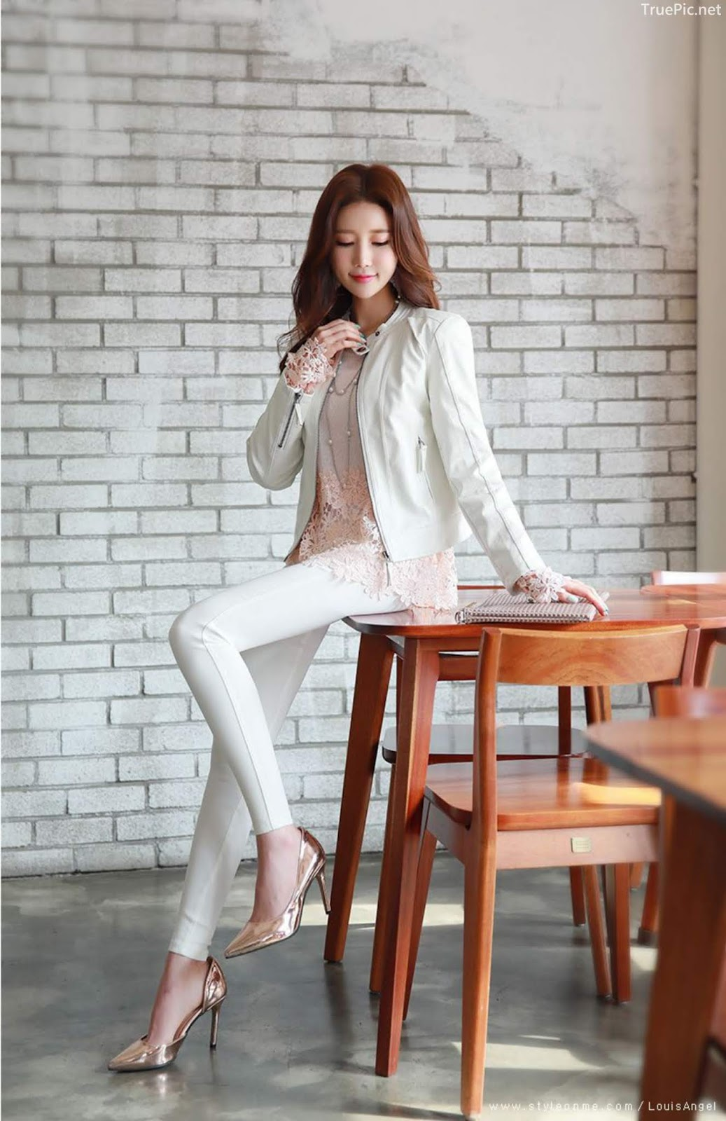 Lee Yeon Jeong - Indoor Photoshoot Collection - Korean fashion model - Part 1 - Picture 7