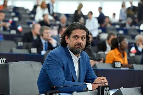 A szocialista és liberális kormányok korrupciós ügye vastagon hozzájárul az OLAF jelentésében fogalt ajánlásokhoz
