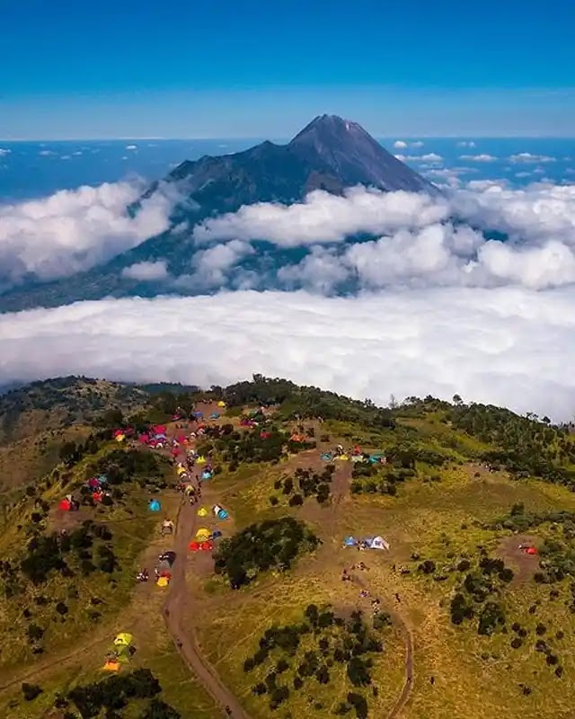 update info buka tutup gunung indonesia Gunung Merbabu buka Juni - foto instagram indrasutantoo