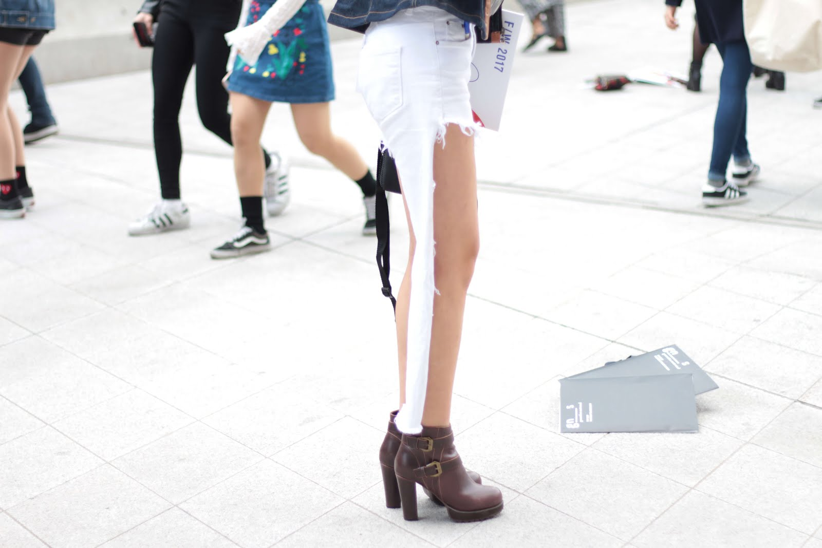 trend watch streetstyle seoul fashion week