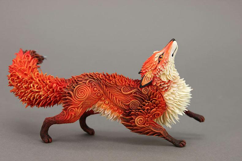 Animales de fantasía traídos a la vida con esculturas de arcilla de terciopelo