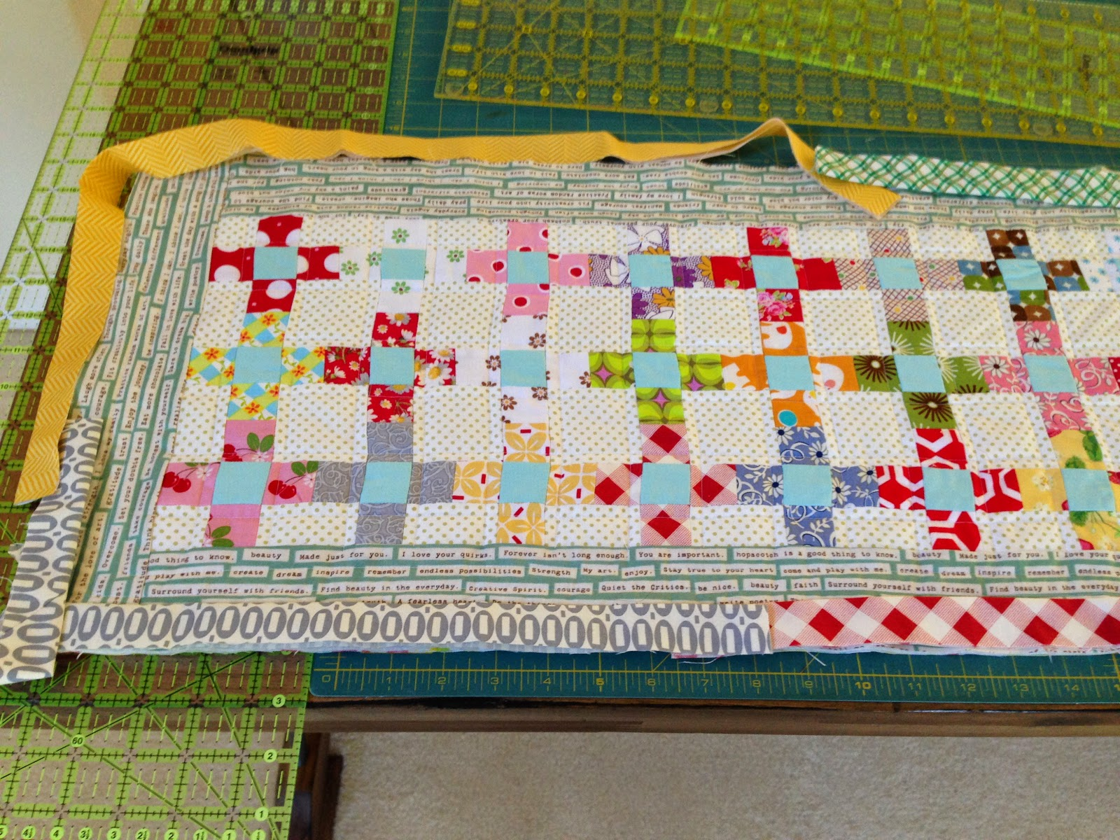 dream quilt create: Sweet and Simple Table Runner