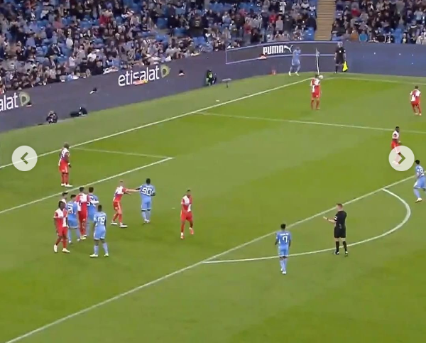 Manchester city scores a whooping 6-1 goals against Wycombe