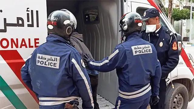 القبض على حارس سيارات من ذوي السوابق القضائية لتعنيف ابنه القاصر