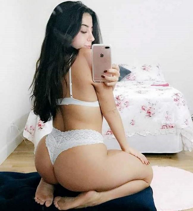 A youtuber Lena Nersesian, mais conhecida como Lena The Plug