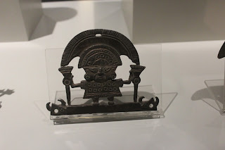 Adorno de bronce procedente de Perú