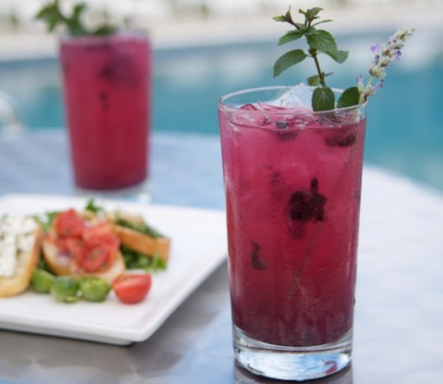 Blueberry Mojitos with Lavender Syrup #summer #drinks