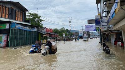 Awas Banjir dan Longsor, di Pangandaran 2 Tewas, Warga Tangerang Terendam