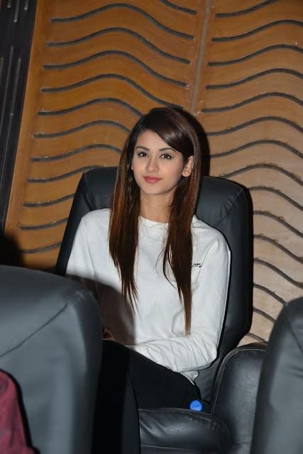 ISM Heroine Aditi Arya latest pics