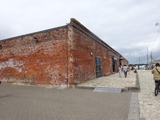 昼の金森赤レンガ倉庫