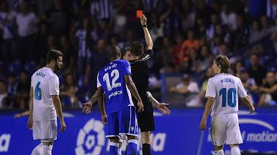 Sergio Ramos tức giận vì chiếc thẻ đỏ của trọng tài