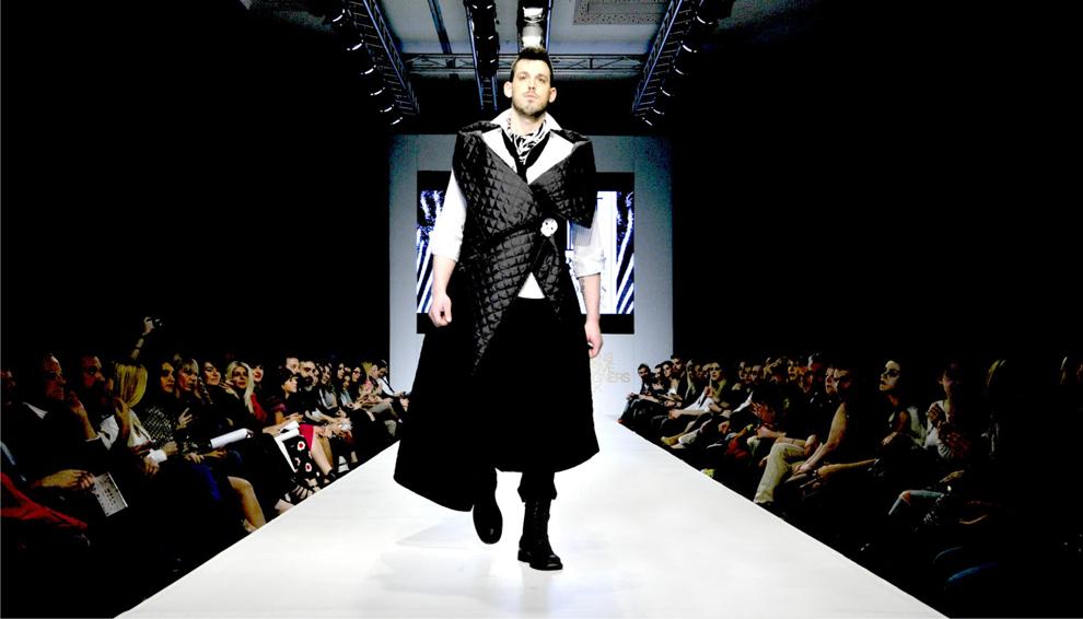 Concept, Branding, Επικοινωνία, Blog, Δελτίο Τύπου, Guestlist, Φωτογράφιση, Sitting, Διοργάνωση Επίδειξης Μόδας για τον Σχεδιαστή Νικόλαο Παπαζήση στην Εβδομάδα Μόδας Athens Exclusive Designers Week