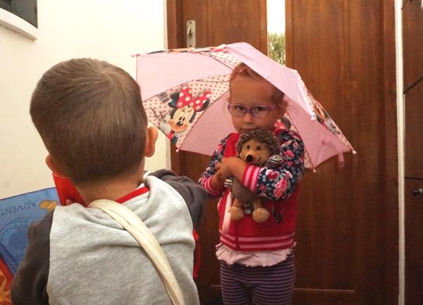 ogarniane przed przedszkolem - Zosia z parasolem