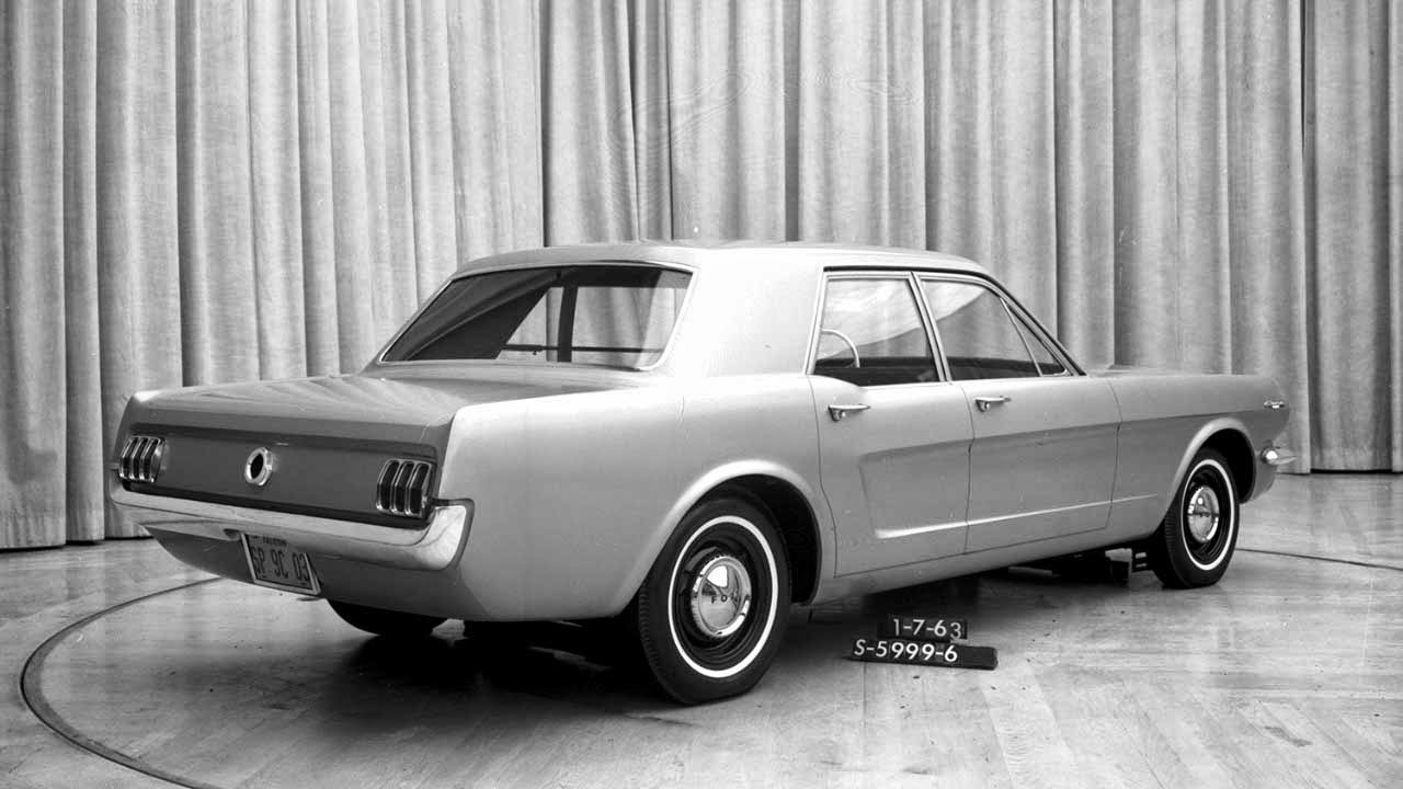 hist ria ford mustang 1964 2015 carwp. Black Bedroom Furniture Sets. Home Design Ideas