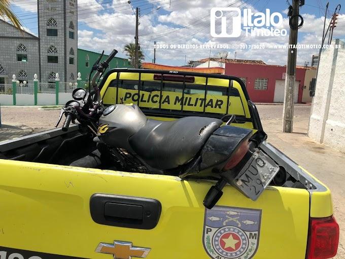 Rádio Patrulha prende homem com moto roubada em Delmiro Gouveia