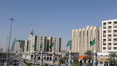 كم تبلغ نسمة عدد سكان السعودية ؟