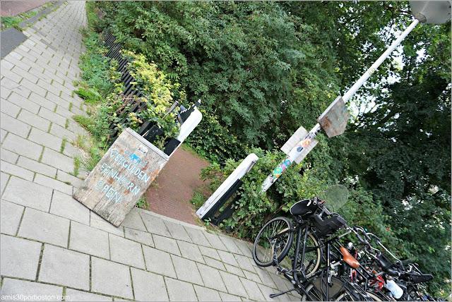 Entrada al Restaurante De Vergulden Eenhoorn en Amsterdam