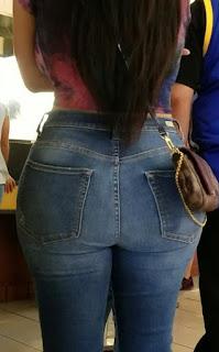 Mujeres colombianas hermosas ropa muy entallada