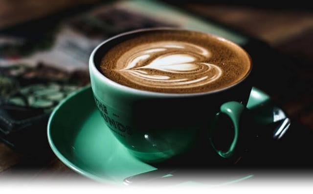 peminum kopi sukses