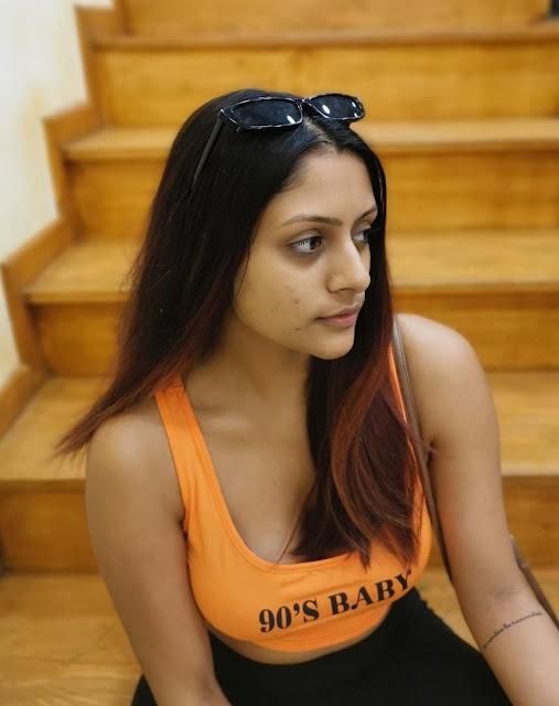 Indian Model Latest Hot Pics Navel Queens