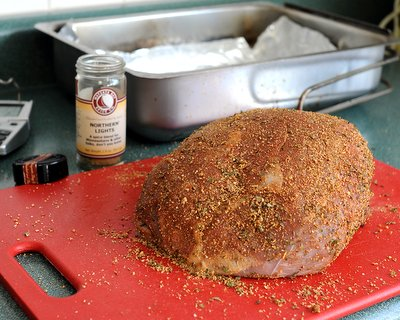 Perfectly Cooked Roast Beef coated with meat rub ♥ KitchenParade.com, a simple easy-to-remember formula to perfectly cook a beef roast, whether rare to medium rare, medium to well done.