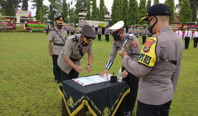 Kapolres Lampung Utara Pimpin Upacara Sertijab Kabag Ops