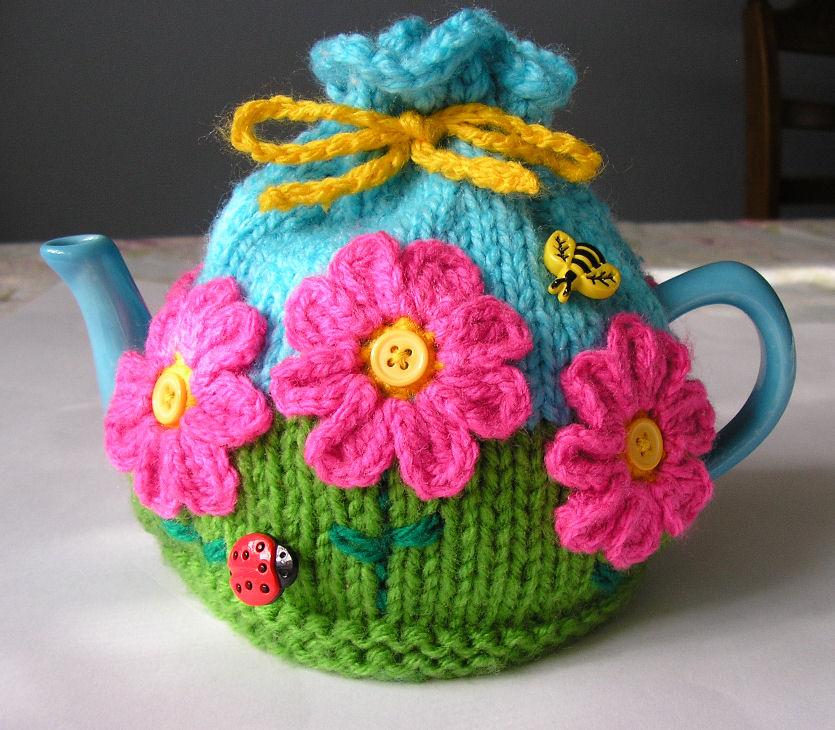 Easy Knitted Tea Cosy Patterns Free : Justjen-knits&stitches: Flower Garden Tea Cosy